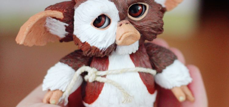 "NECA 7"" Gremlins ""Gizmo"" Action Figure"