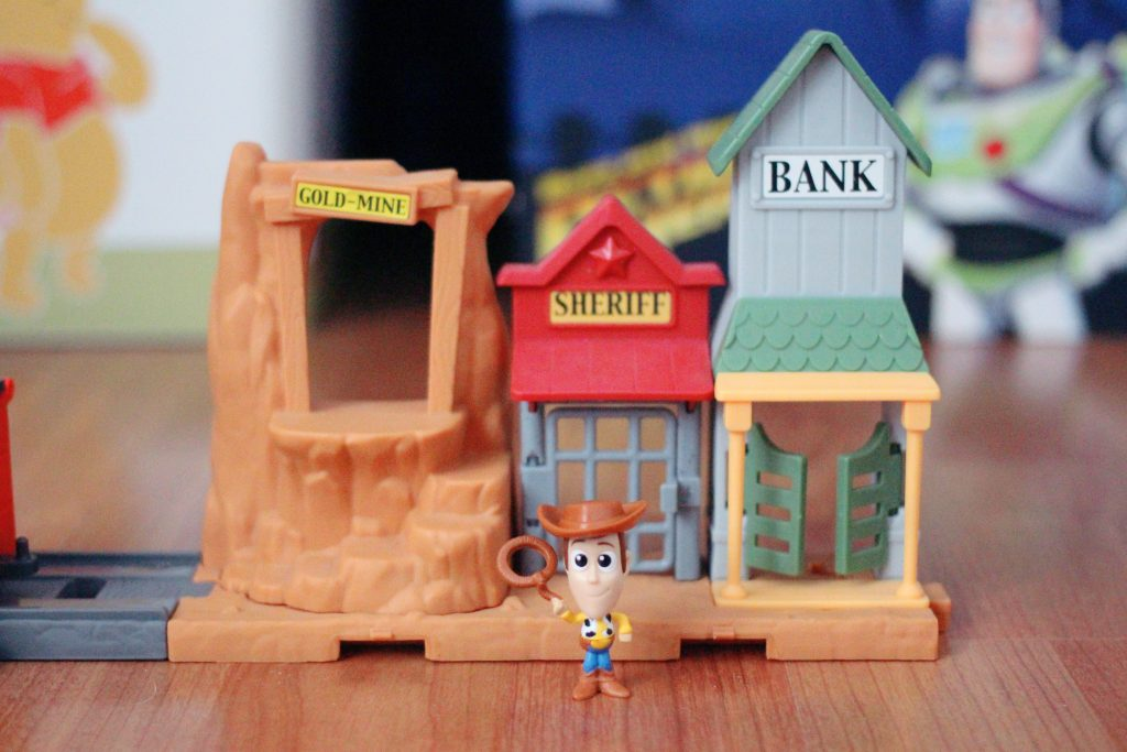 Mattel Toy Story Minis Western Adventure Playset