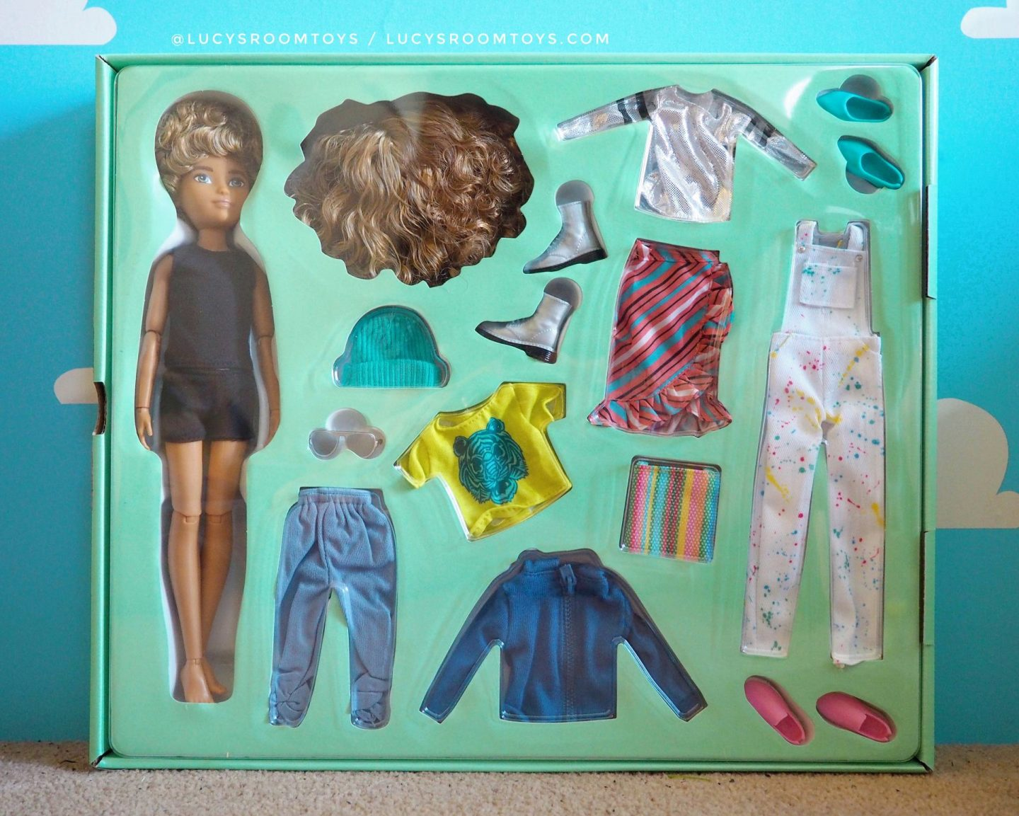 Mattel Creatable World Doll dc-220